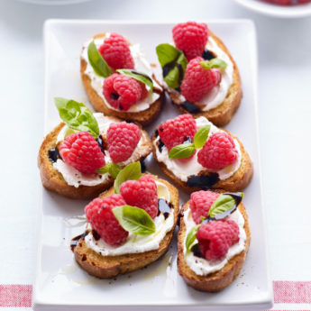 Raspberry Goats Cheese Crostini