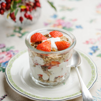 Strawberry Cranachan with Granola and Yoghurt