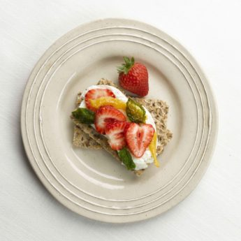 Strawberry, Mozzarella & Basil Crispbreads