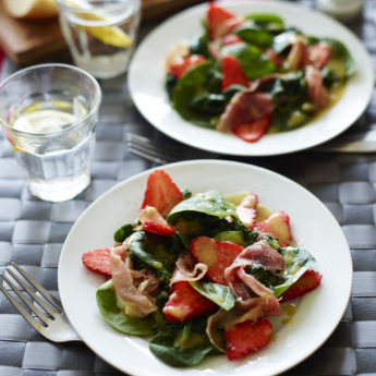 Strawberry, Spinach & Bayonne Ham Salad