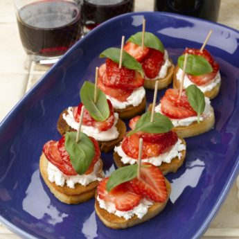 Strawberry & Goats Cheese Pinchos