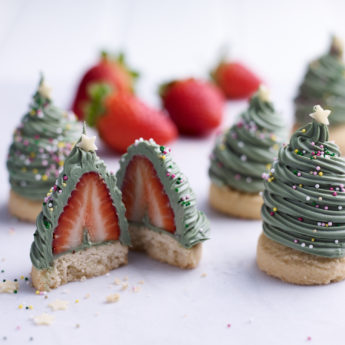 Strawberry Christmas Tree Bites