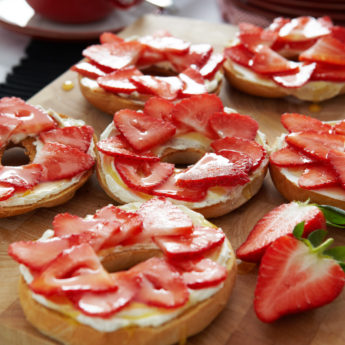 Toasted Bagels with Strawberries, Honey & Cream Cheese