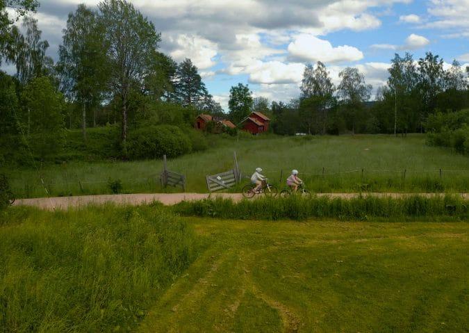 Familievennlig sykkel- og badetur i Østmarka