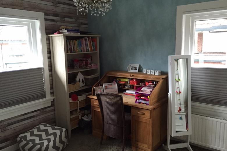 Van een lieve roze meisjeskamer naar een stoere tienerplek - Upgrade naar een kamer ...