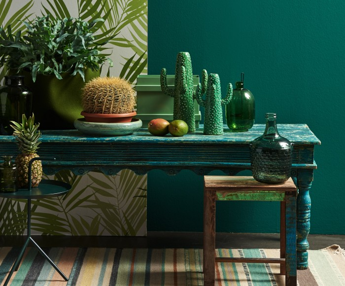https://s3-eu-west-1.amazonaws.com/c2c1/decokay2015/files/wijzonol-tropic-tribal-sidetable-mango-cactus-blauw-groen-krukje-20160711103738.jpg