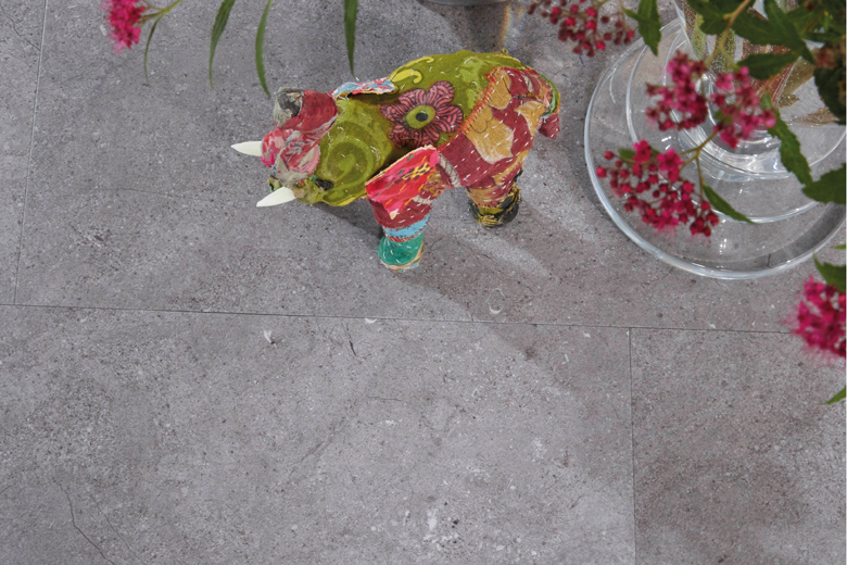 Mooi èn gemakkelijk: een betonlook vloer van pvc