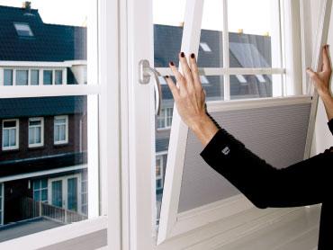 Magneetframe voor <b>raambekleding zonder boren</b>