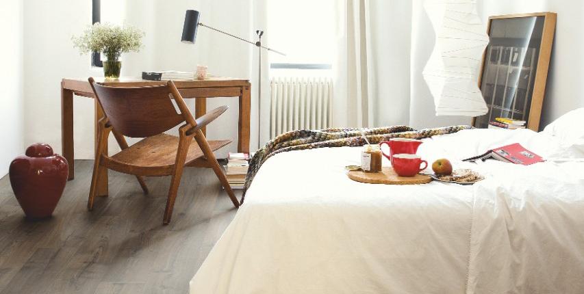 Een vloer met <b>aardse tinten</b> voor een gezellige en warme sfeer