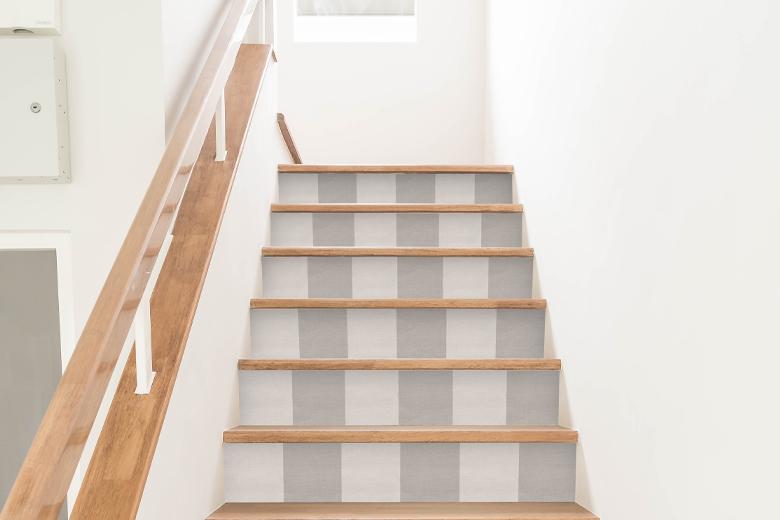 Behang op de trap
