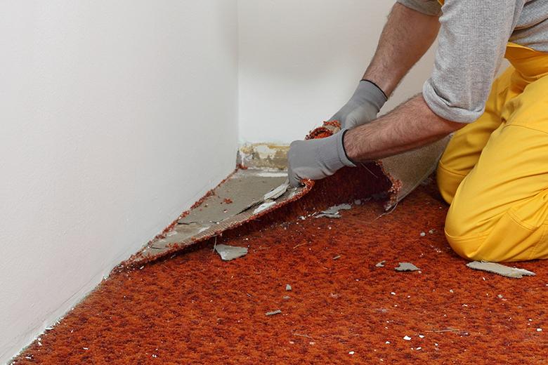 Gelijmd tapijt verwijderen