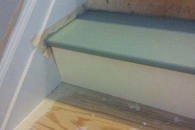Voorbereiding voor het schilderen van de trap