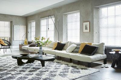Scandinavisch behang bevat een strak lijnen- of patronenspel