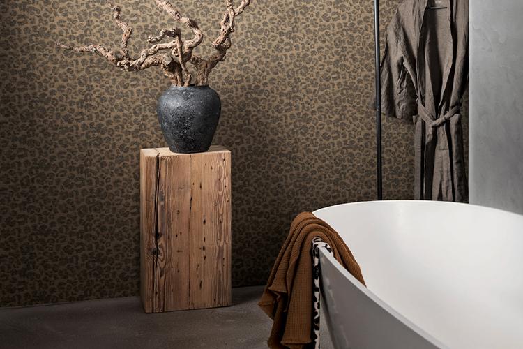 Behangen in de badkamer kan  dat met speciaal behang