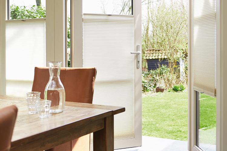 Openslaande deuren welke raamdecoratie kies je