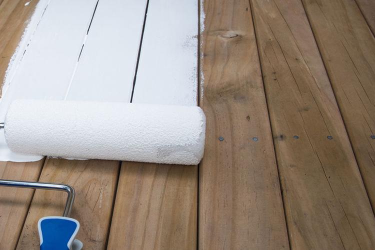 Zelf je houten vloer verven of lakken