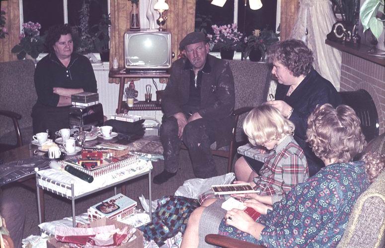 01 00 Wies Arie sr 1964 Sinterklaasavond 01