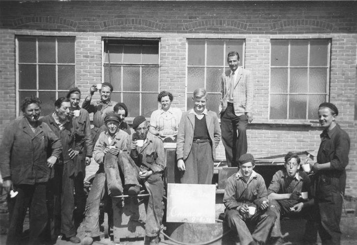 01 00 Wies Firma A 1951 Cor Kamerman Emigreert 01