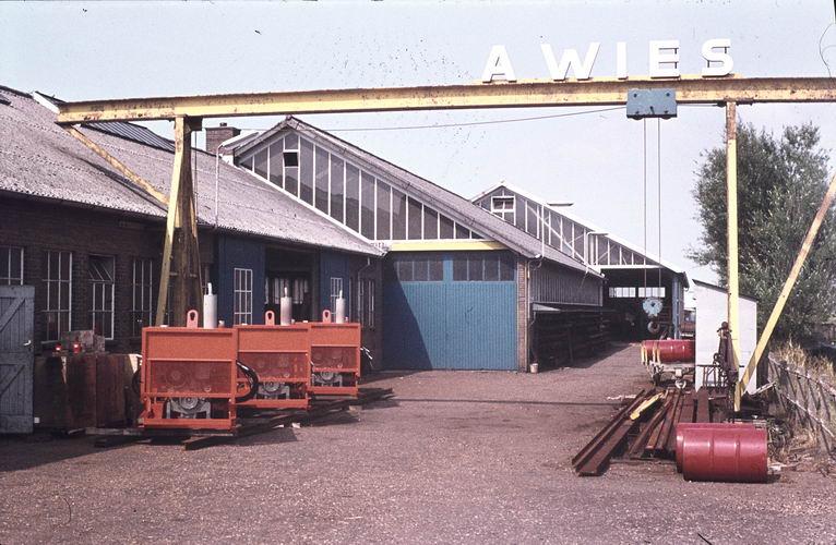 01 00 Wies Firma A 197_ Kruisweg Oranje Pompen 01