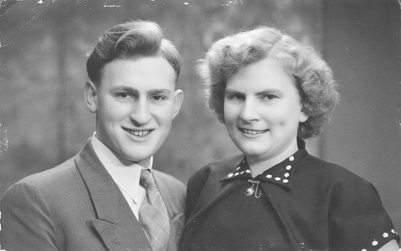 01 02 Wies Arie jr 1954 Portret met Miesie