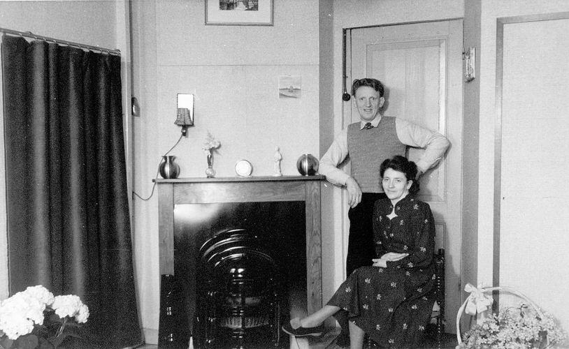 02 Wies Rinus 1949 trouwt Zwaan op t Holt 15