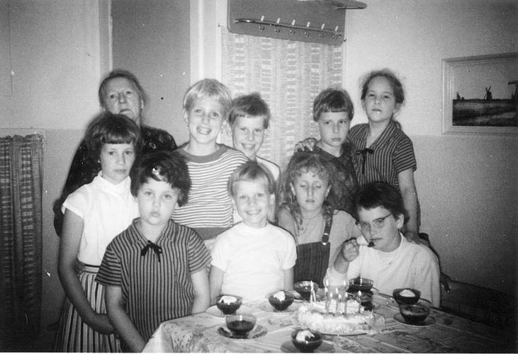 02 Wies Rita 1959 9 jaar feestje