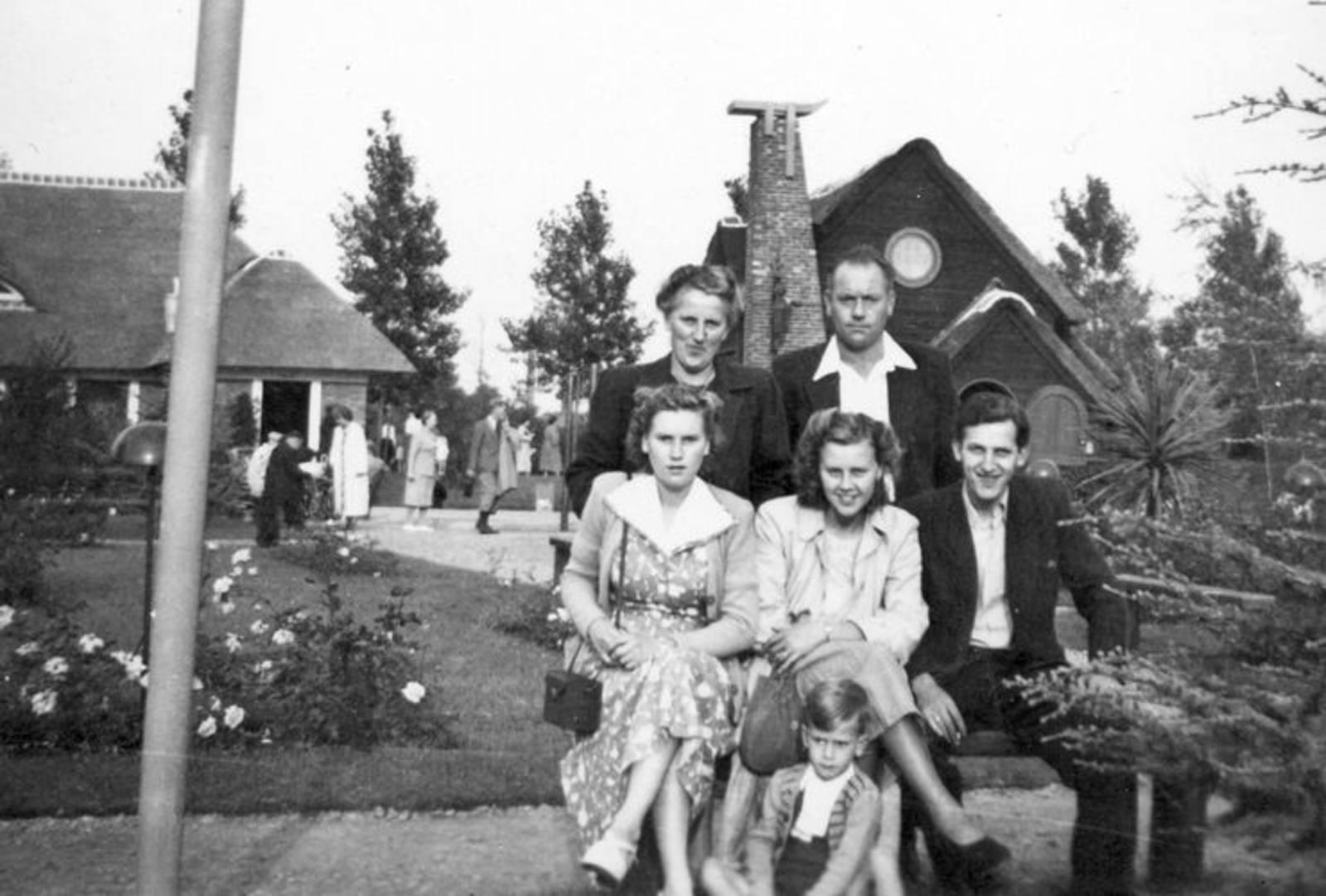 03 Wies Hill 1951± Fam met Henk Wies naar Avifauna 03