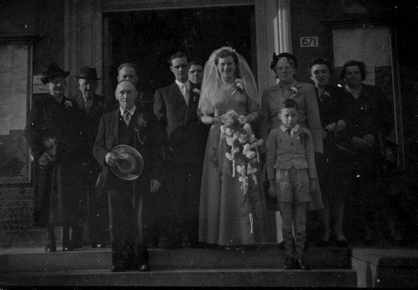 03 Wies Hill 1954 dochter Zus trouwt Renee Heyvaert 04
