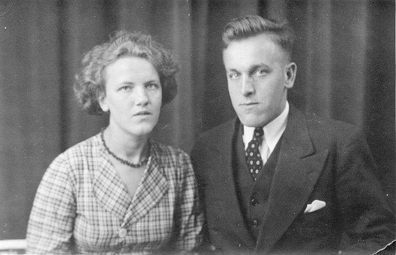 04 Wies Marij 1938 met Johan Krahnen