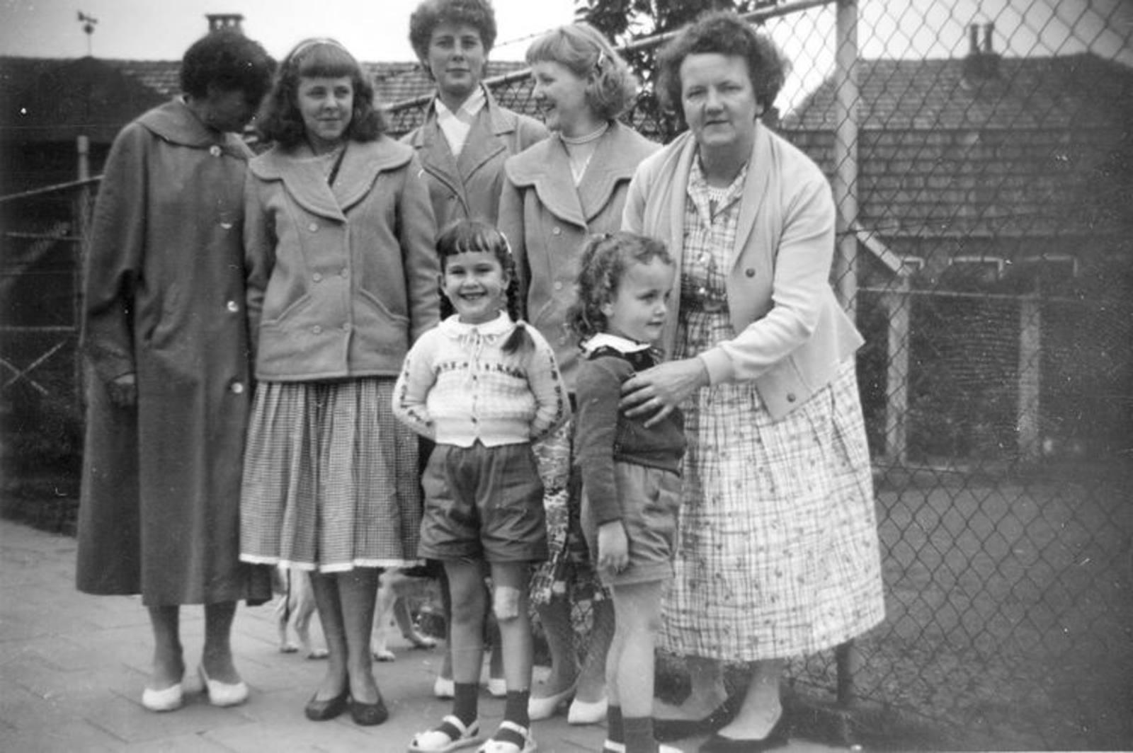 04 Wies Marij 1957± familie vakantie in Goor