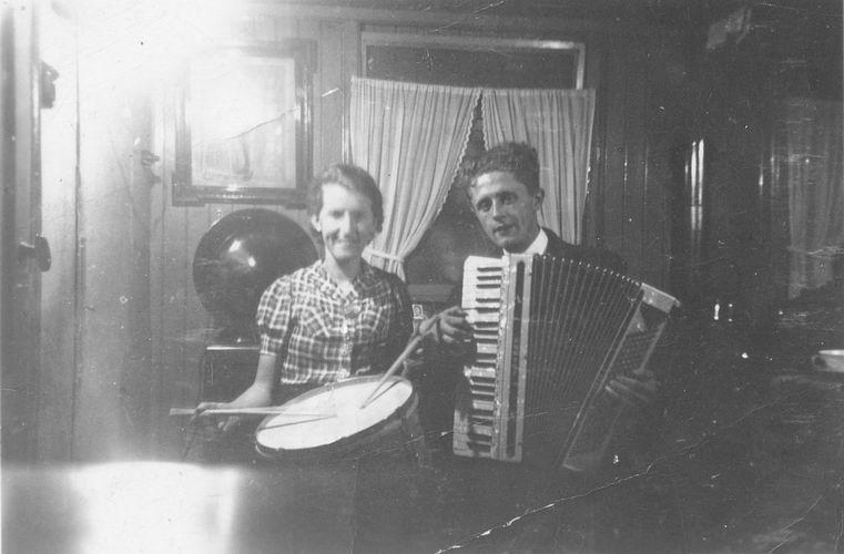 07 Wies Sien 1942 met Jan Leen_2