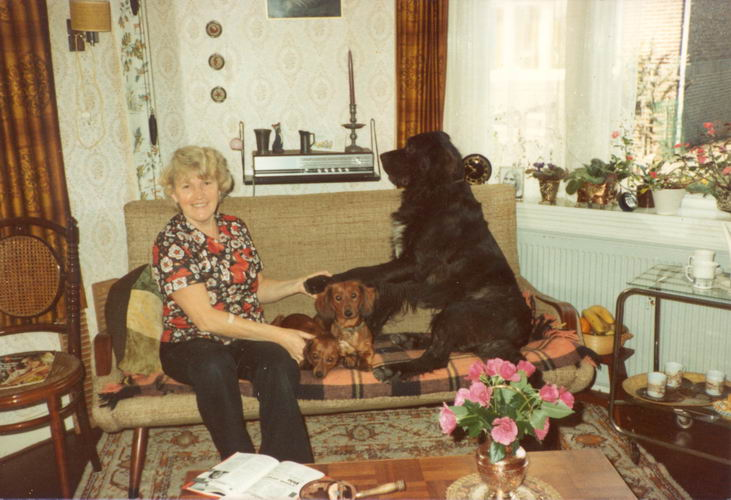 07 Wies Sien 1984 met honden 01