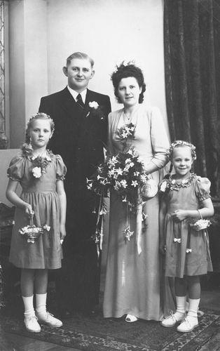 08 Wies Marie 1949 Trouwt Piet Smit 00