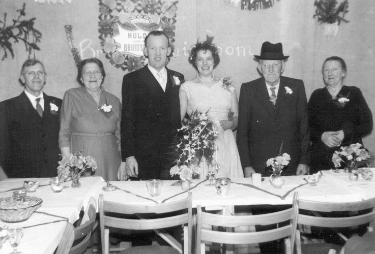 09 Wies Jan 1958 trouwt Sijtje Sauer met Ouders