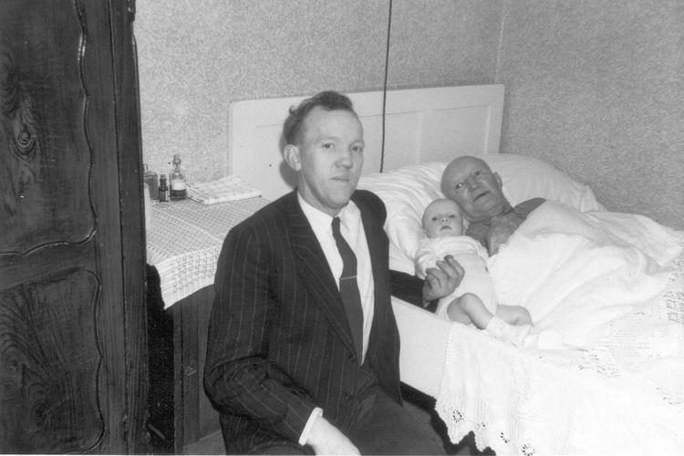 09 Wies Jan 1959 met Vader en Zoon Jan