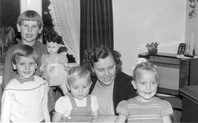 11 Wies Henk 1959 vrouw Nel Joren en kinderen