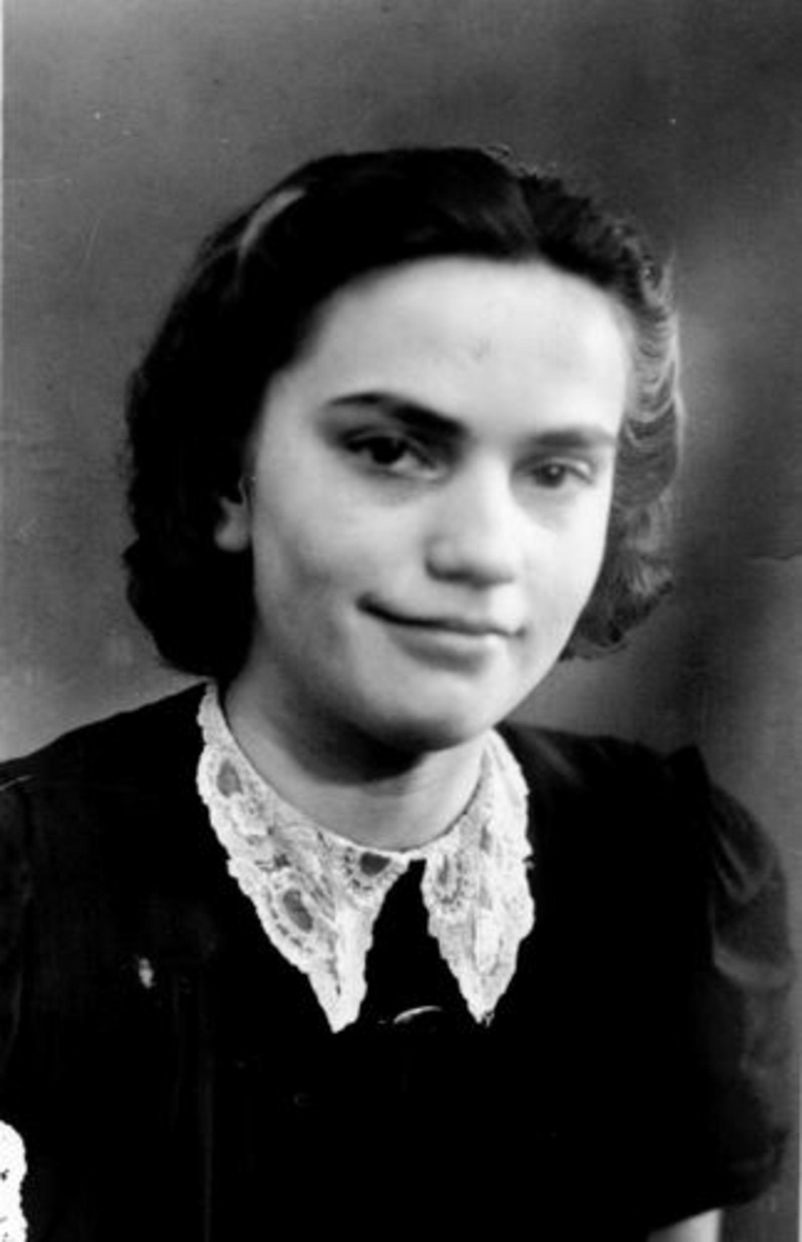 21 Wies Maria Pdr 1899 1945± Portret dochter Elisabeth Swier