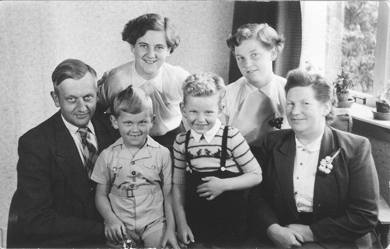 24 Wies Arie Pzn 1953 Gezinsfoto