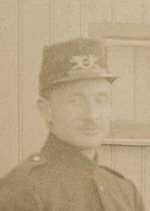 <b>ZOEKPLAATJE:</b>Onbekend Postbode met Hond 1923± CloseUp