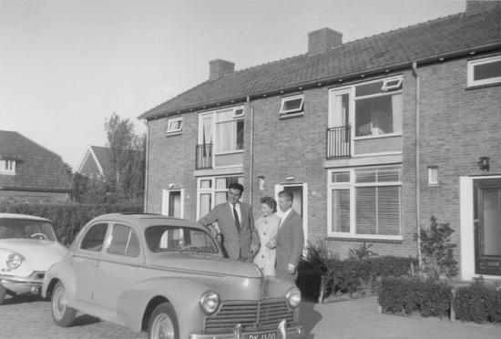Kruislaan 0055-57 1959 met Leo Wubbe en Aart en Gré de Zeeuw
