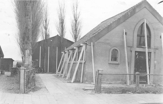 Kruislaan 0044 1960± de Schutse vh Kerk 01 Voorzijde
