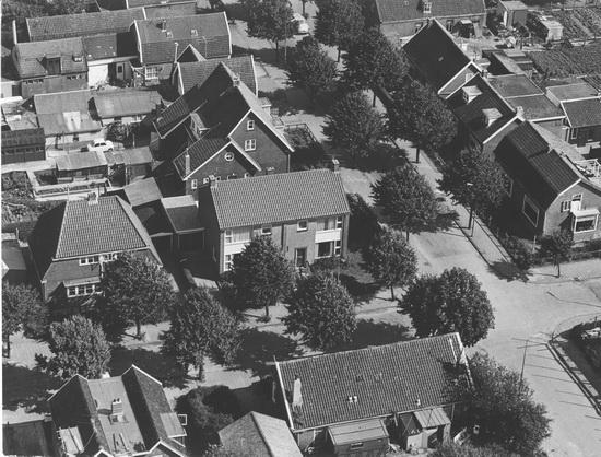 Fortweg 0022a-22b 1970± Luchtfoto met omgeving