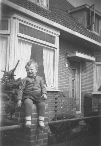 Aalsmeerderdijk 0119 1947 met Ans Kaslander