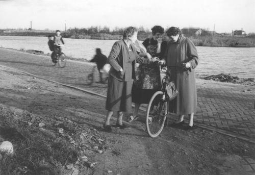 Aalsmeerderdijk 0138 Overzijde 1955± met Mw Resoort