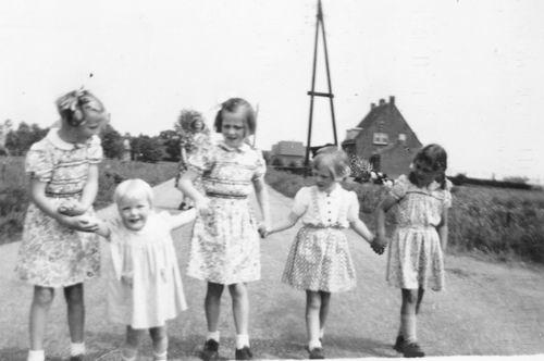 Aalsmeerderweg O 0486-488 1952 met Kinderen Marbus