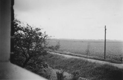Aalsmeerderweg O 05__ 1948± Zicht vanuit Slaapkamer v Elderen