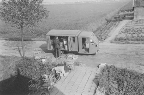 Aalsmeerderweg_W_0281_Maaskant_IJsbrand_1957_bij_Winkelwagentje