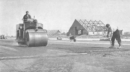 Aalsmeerderweg W 0325 1960 Startbaan bij boerderij Jan Roos