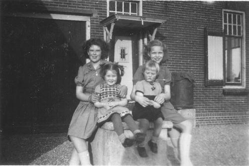 Aalsmeerderweg W 0425 1948 Boerderij van Elderen 02