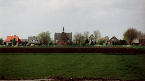 Aalsmeerderweg W 0467b-459 2005 met Gereformeerde Kerk en Pastorie